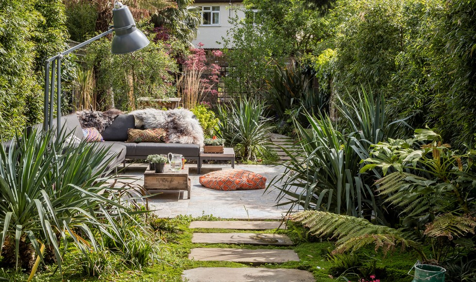 5 Luxurious Indoor-Outdoor Garden Ideas to Consider in 2021